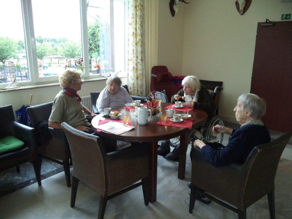 opatření pro návštěvy seniorcentra